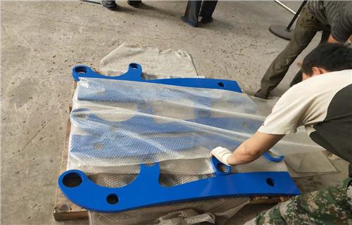牡丹江不銹鋼工程立柱多少錢每米