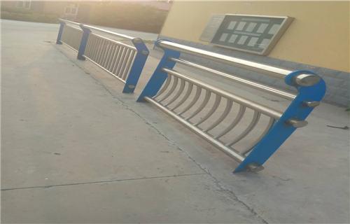 临汾河道防护不锈钢栏杆实体加工厂