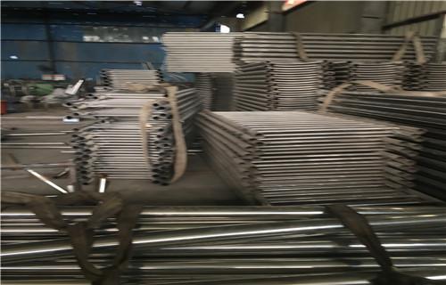 張家界不銹鋼碳素鋼復合管護欄耐濕熱
