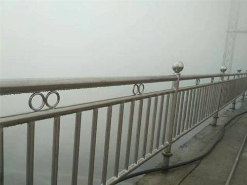 濮陽不銹鋼河道護欄抗壓性強