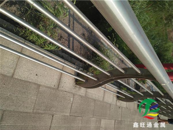 廣州不銹鋼碳素復合管護欄生產基地