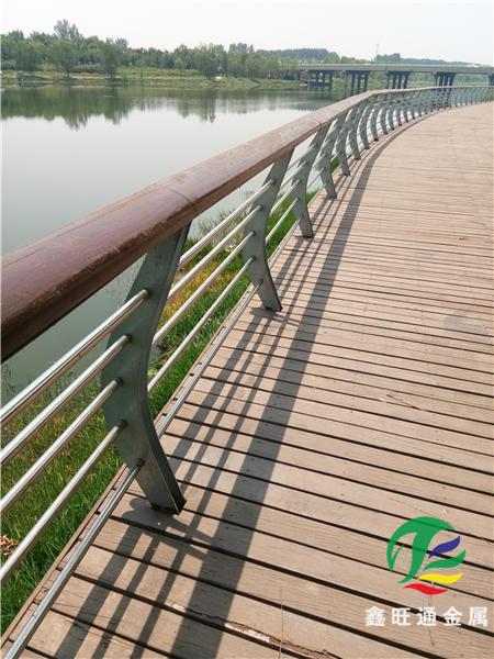 衡水橋梁護欄防撞立柱無毛刺