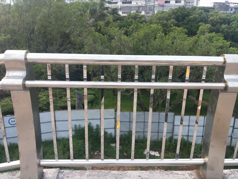 黑龍江牡丹江不銹鋼復合管護欄廠