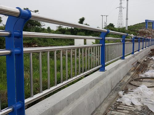 金華不銹鋼橋梁護欄復合管生產廠家