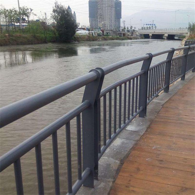 海口白鋼橋梁欄桿報價單