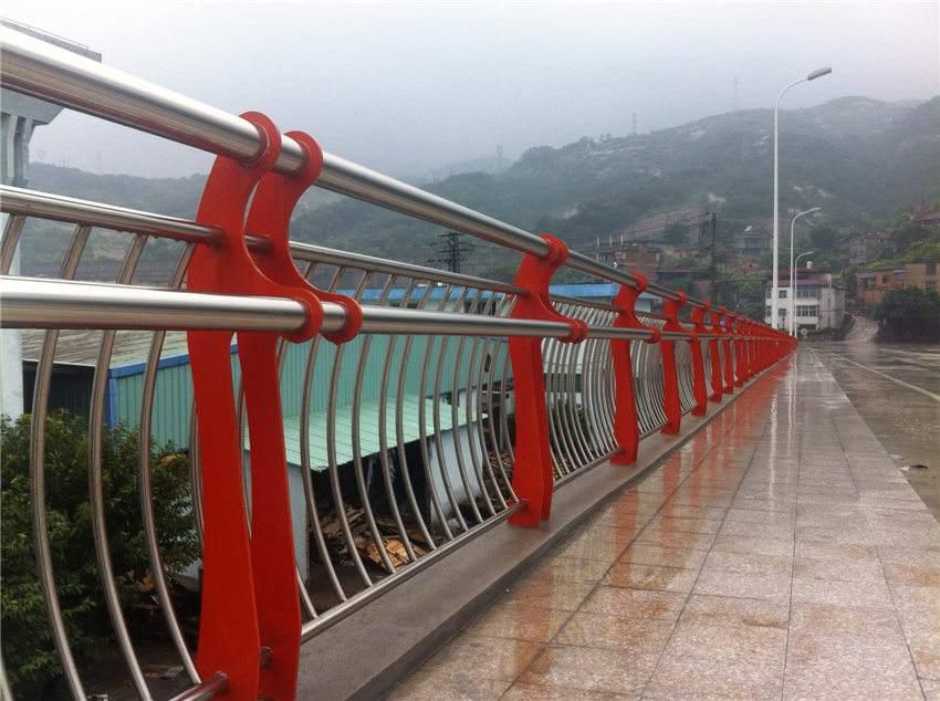朝阳防撞桥梁栏杆代理商防撞桥梁栏杆