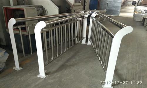 新闻:东莞不锈钢景观护栏杆价格表