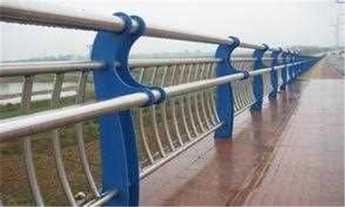 淄博201不銹鋼復合管護欄質量放心可靠多種造型選擇