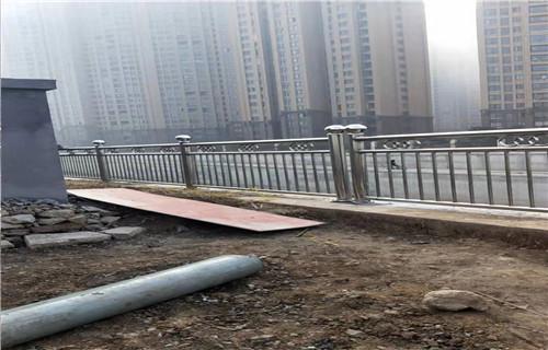 河池304不锈钢碳素钢复合管 不锈钢碳素钢复合管护栏 不锈钢桥梁护栏欢迎洽谈