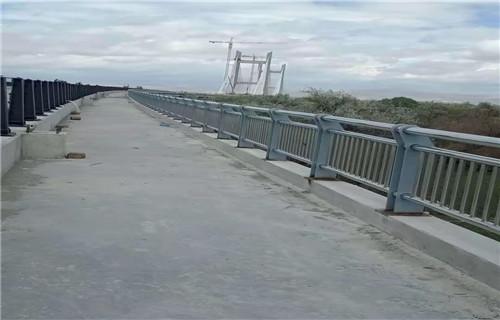 东莞不锈钢复合管护栏如何选购
