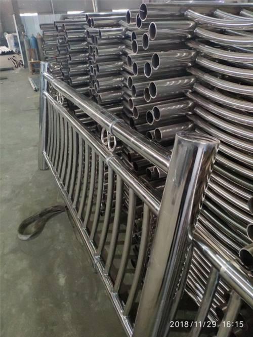 十堰不锈钢复合管护栏欢迎洽谈
