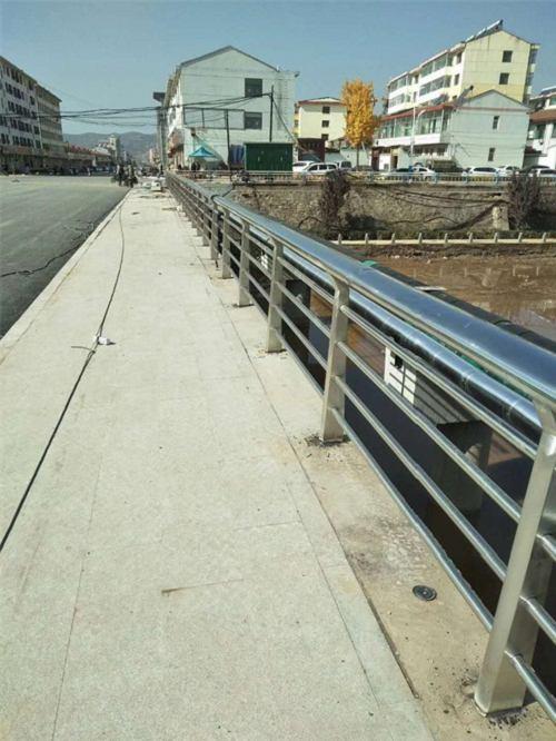 阳江 201不锈钢复合管护栏哪家好