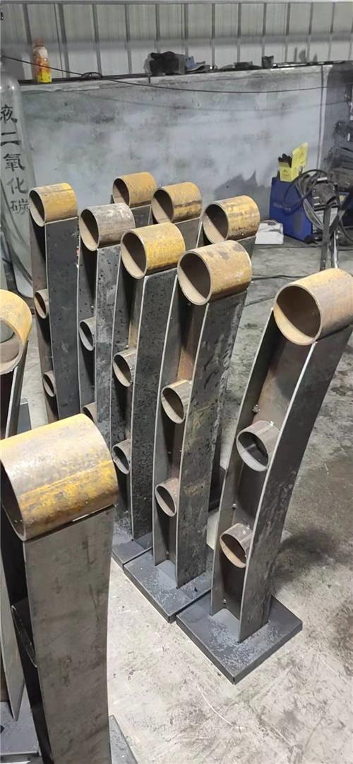 貴州鋼絲繩護欄專業生產