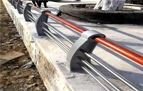 天津市護欄鋼板立柱專業廠家