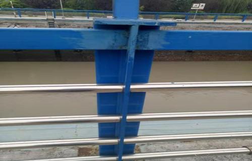 益陽內襯不銹鋼復合管道路欄桿供應加工