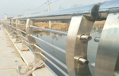 貴州不銹鋼復合管帶安裝價格