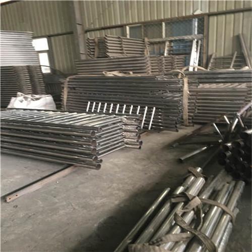 阜新亮潔廠家供應不銹鋼碳素鋼復合管護欄
