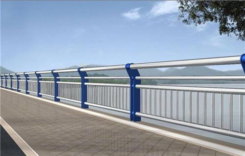 齐齐哈尔天桥观景不锈钢护栏多少钱一吨