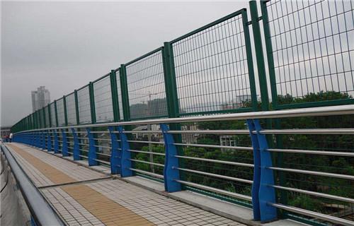 张家口桥梁防撞护栏柱子每日价格