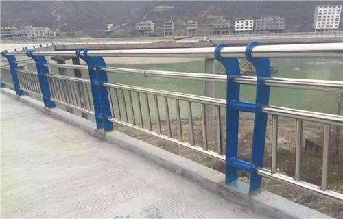 白玉不锈钢碳素钢复合管栏杆批发低价不锈钢复合管护栏