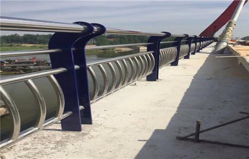 盘龙不锈钢碳素钢复合管厂家发货不锈钢复合管护栏