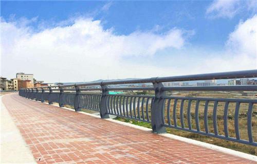 锡林郭勒不锈钢复合管桥梁护栏销量全国不锈钢复合管护栏