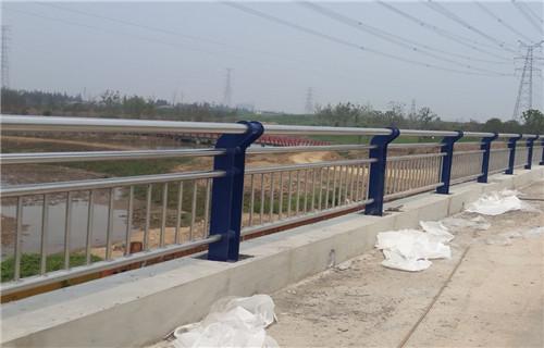 嘉黎不锈钢护栏上等质量不锈钢复合管护栏
