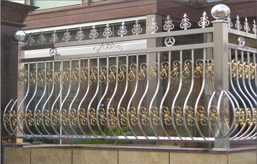 西藏不銹鋼復合管護欄價格