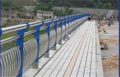 西藏不锈钢桥梁护栏价格