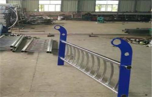 三亚不锈钢复合管桥梁护栏哪里价格低
