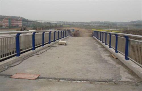 梅州201不锈钢桥梁护栏立柱最新报价