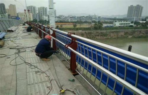 桂林201不锈钢桥梁护栏立柱销售基地