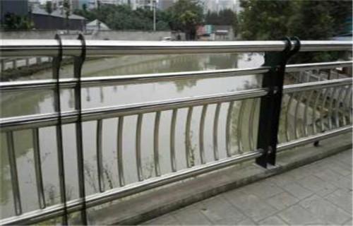 武汉不锈钢复合管桥梁护栏最新报价
