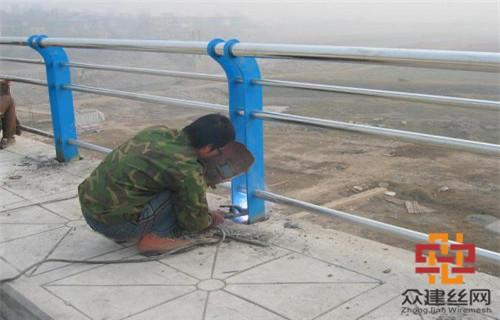 中山201不锈钢桥梁护栏立柱厂家