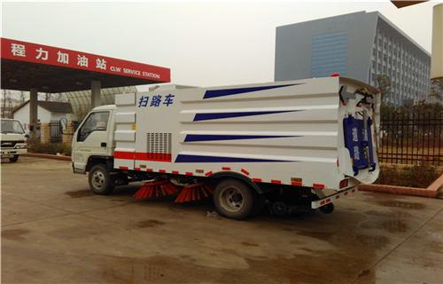 新疆环卫扫路车在线订购