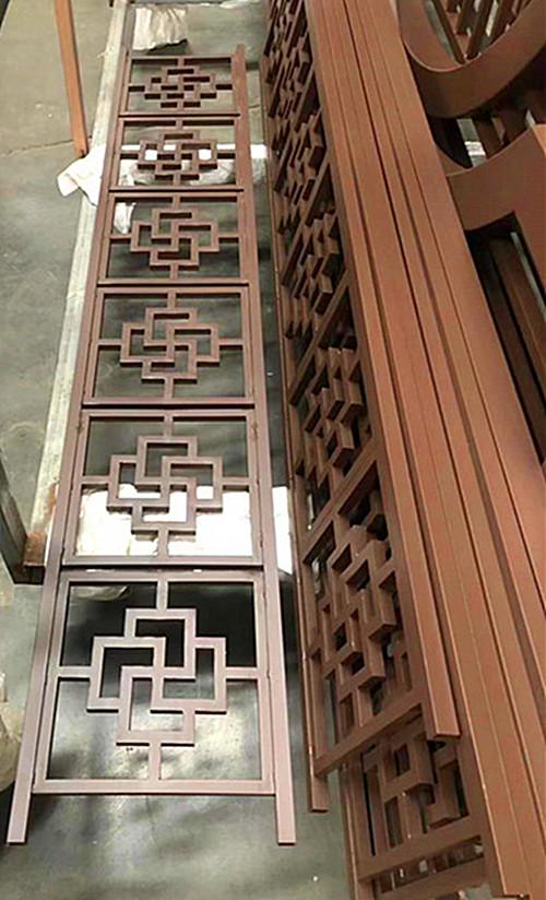 乌鲁木齐新农村建设中式木纹铝窗花定做工厂