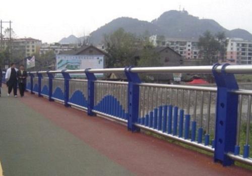 楚雄不锈钢栏杆每米价格