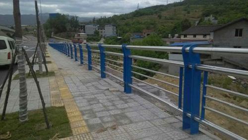 汕头不锈钢桥梁护栏焊接安装