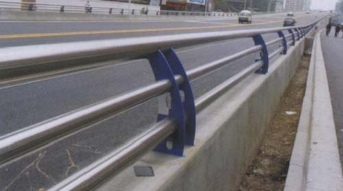 辽阳内衬不锈钢复合管护栏来图定做