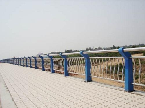 南充不锈钢防撞护栏焊接安装