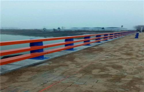 濮阳铁路碳钢防撞护栏做工精致