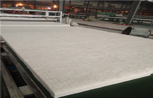 新疆硅酸铝针刺毯硅酸铝陶瓷纤维板