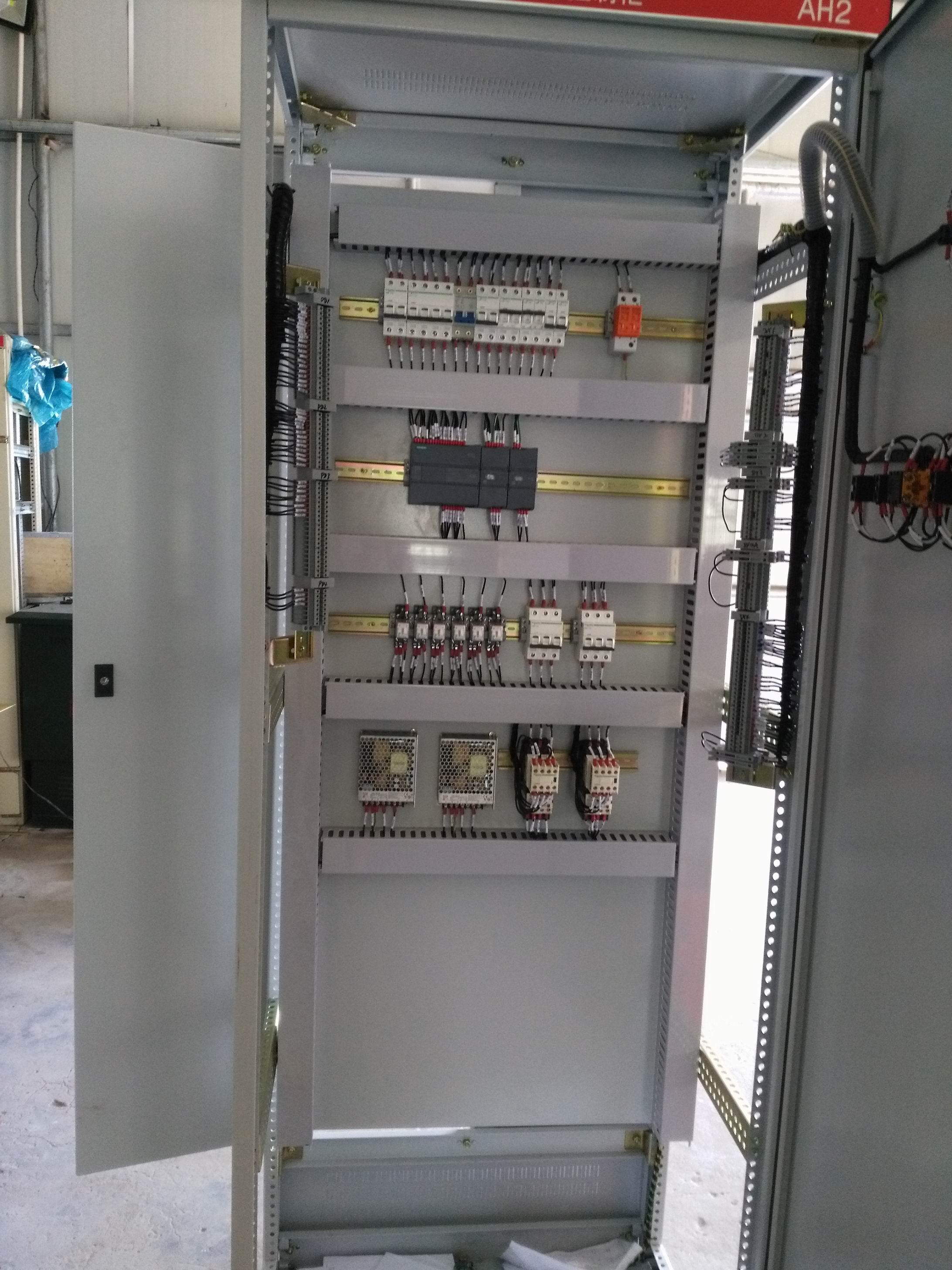 巨鹿PLC闸门电控箱