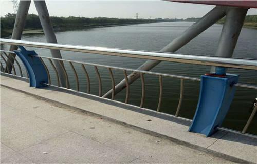 阳江防撞护栏立柱价格