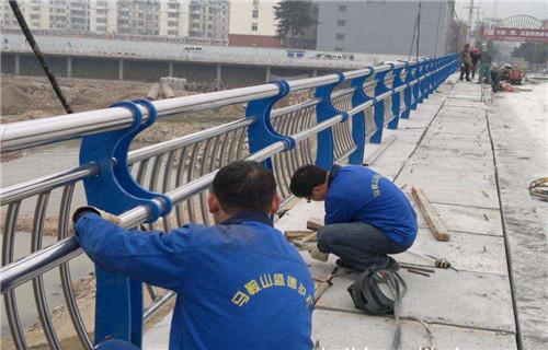德阳不锈钢护栏立柱一米新价格