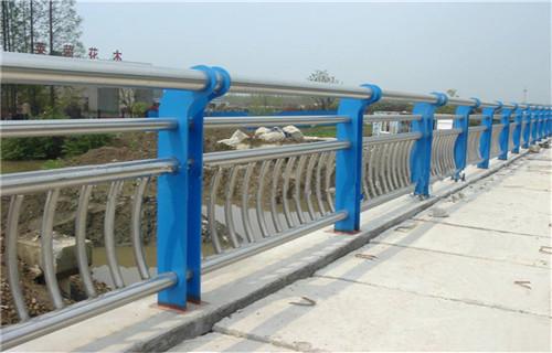 安康不锈钢碳素钢LED 灯光护栏多少钱一米