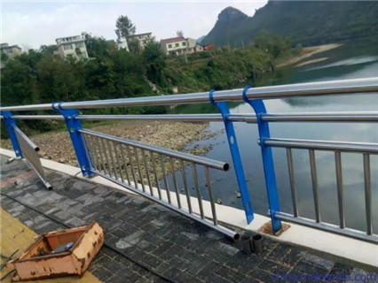 海南不锈钢桥梁护栏诚信单位