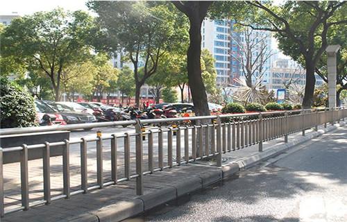 陇南不锈钢桥梁护栏生产