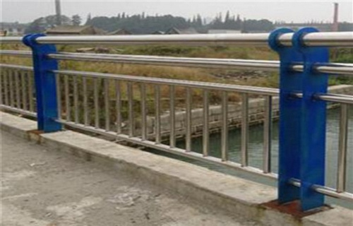 泰安201不锈钢复合管护栏专业厂家