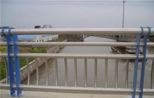 晋城不锈钢碳素钢护栏立柱五星质量